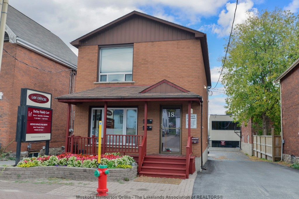 18 MATCHEDASH ST North, Orillia, Ontario